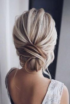 hochsteckfrisur, blondes haar schön zusammen gesteckt dutt