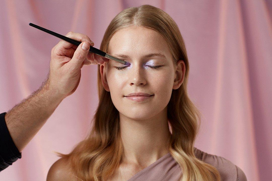 fruehlings-make-up-look-2020-douglas-pastel-farben (2)