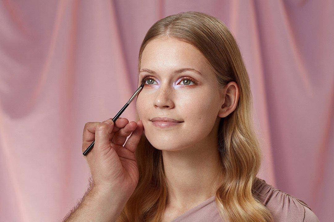 fruehlings-make-up-look-2020-douglas-pastel-farben (5)