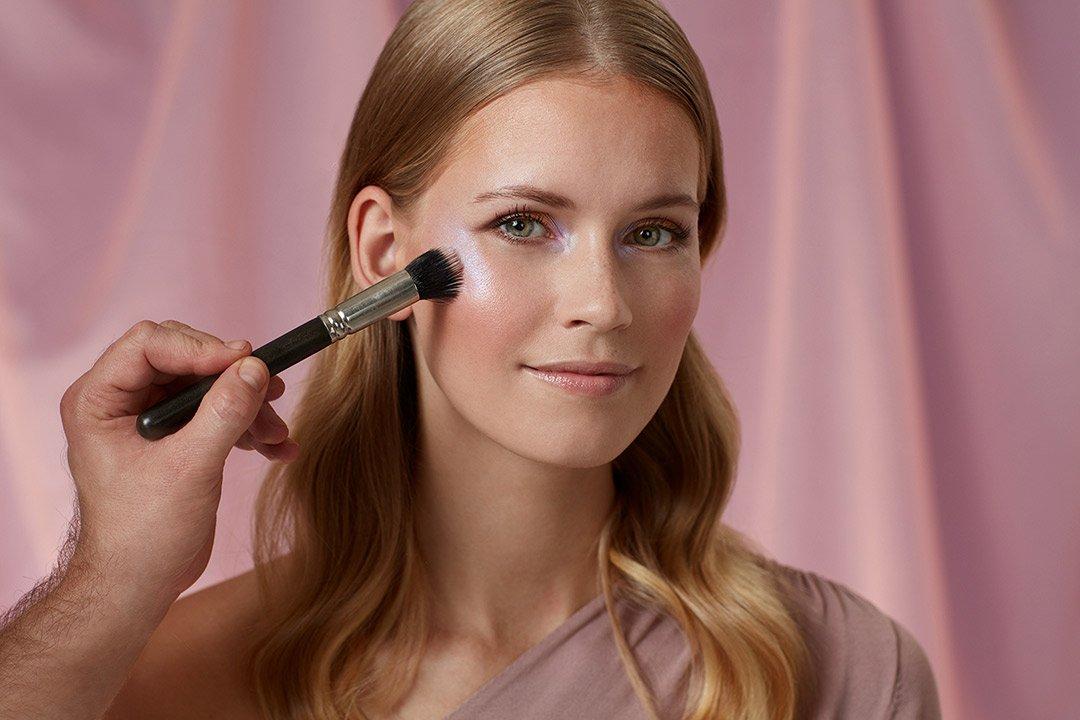 fruehlings-make-up-look-2020-douglas-pastel-farben (9)